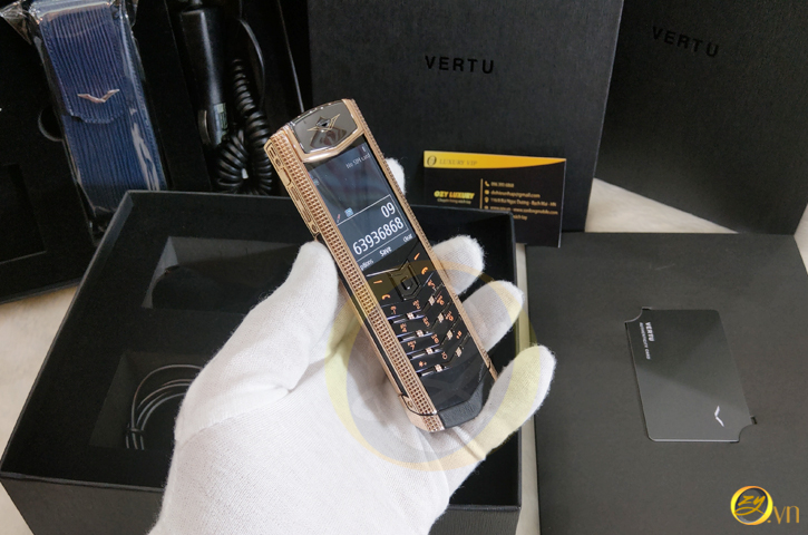 Vertu s Cloud de pari gold